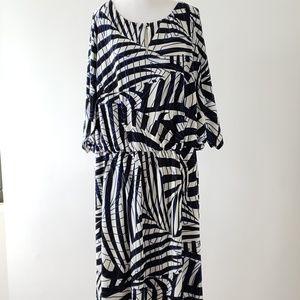 Eloquii sz22W geo print B&W dress w/dolman sleeves
